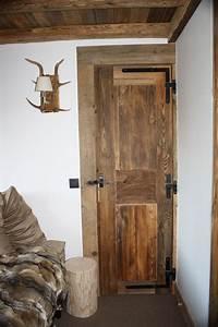 agencement sur mesure vieux bois caches radiateurs With habillage porte d entrée