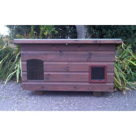 Large Outdoor Cat House For 2 To 3 Cats
