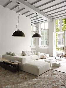 salon avec un canape blanc 12 idees deco dont s39inspirer With tapis de course avec canapé lit ligne roset