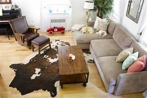 tapis de salon moderne en 25 exemples et quelques astuces With tapis peau de vache avec canapé moderne gris