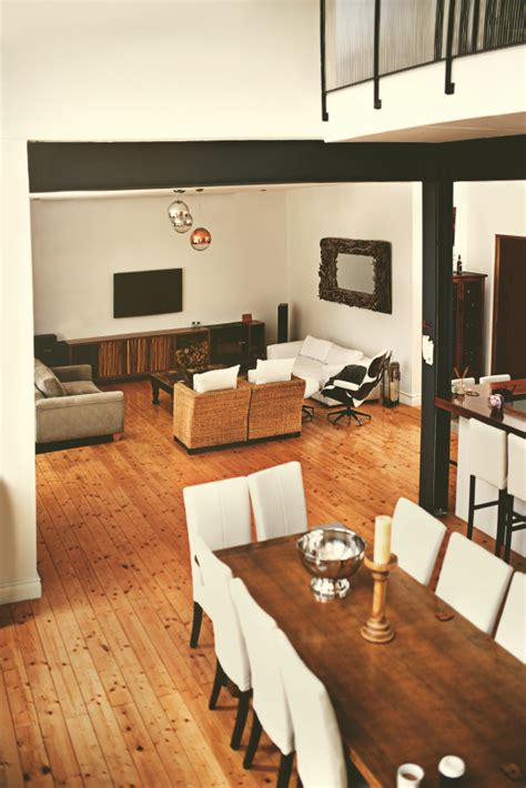Einrichtung Kleiner Kuechekleine Kueche In Weiss Und Orange 2 by Sch 246 Nes Und Modernes Wohnzimmer Einrichten Mit