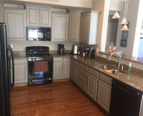 painting kitchen cabinets gray help painting oak cabinets grey 4033