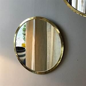Miroir Doré Rond : miroir rond chez les voisins ~ Teatrodelosmanantiales.com Idées de Décoration