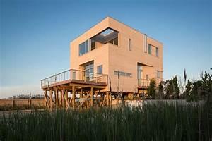 Cube, House