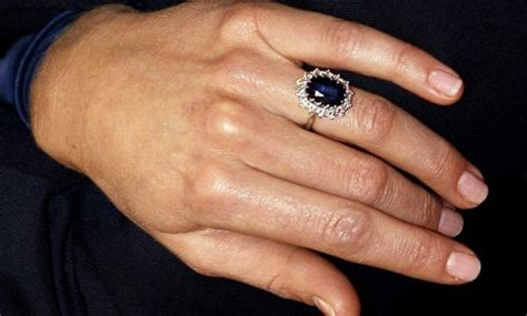 kate middleton wedding ring picture 10 facts kate middleton s engagement ring