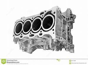 Voiture 8 Cylindres : block car engine cylinder stock photo image of metal 68175898 ~ Accommodationitalianriviera.info Avis de Voitures