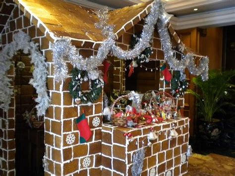 gingerbread house cubicle xblog social lifestyle blogs