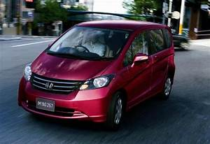 Fit On Steroids  Honda Debuts Freed Van In Japan