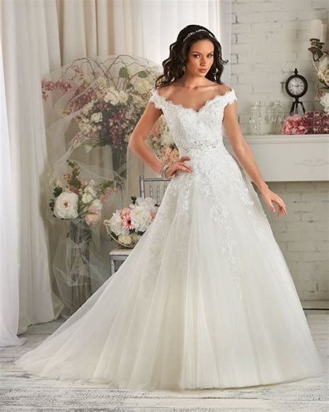 trend   budget   shoulder wedding gowns