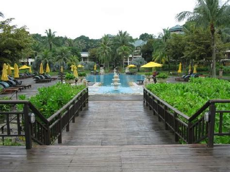 Bintan Angsana Resort + Ferry + Perks Package