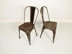 Chaise Metal Tolix : chaise tolix modele a patine acier ~ Teatrodelosmanantiales.com Idées de Décoration