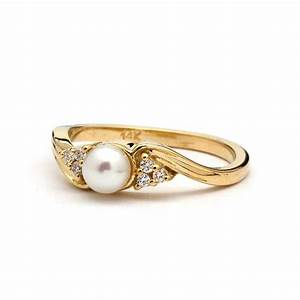 Vintage Pearl Engagement Ring in Yellow Gold / Vintage Pearl