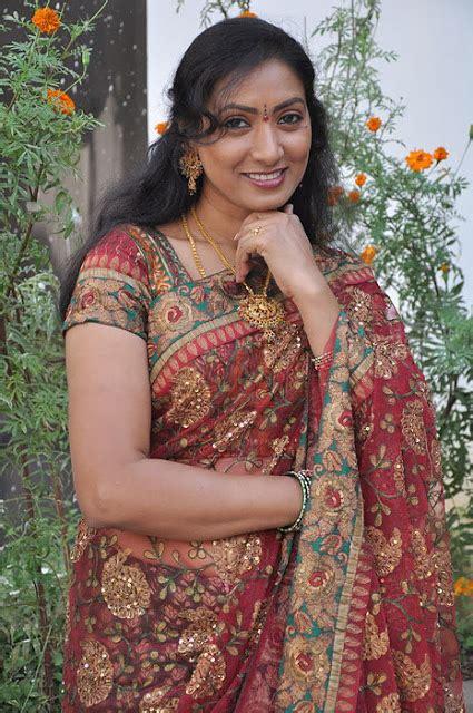 Saree Navel Photos Tamil Actress Hot Gallery
