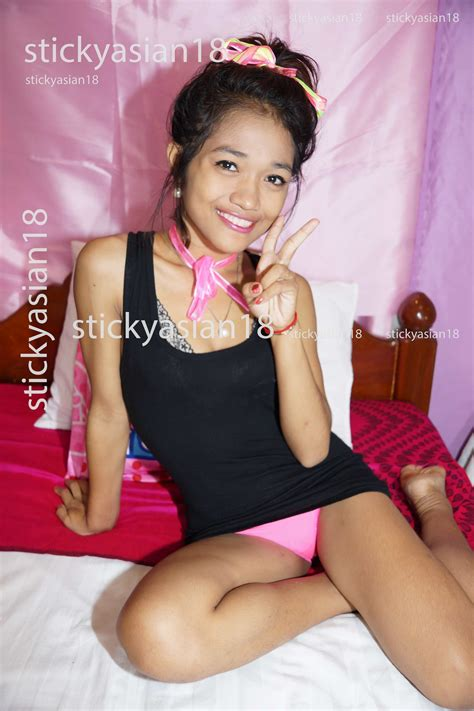 dee from sticky asian 18 cute thai naked teen pics