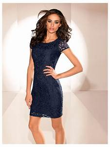robe courte en dentelle coupe cintree a manches courtes With robe cintree