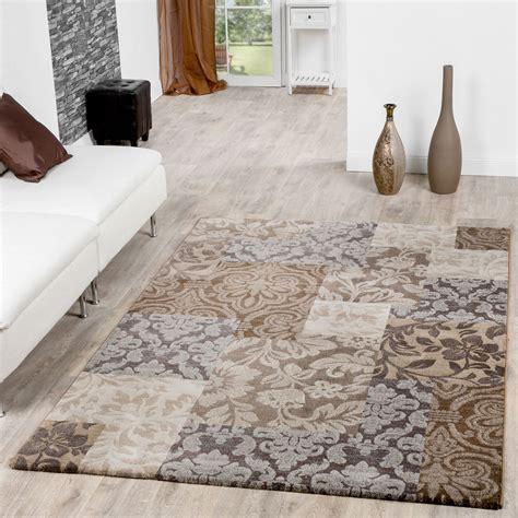 moderner teppich wohnzimmer barock design ornamente
