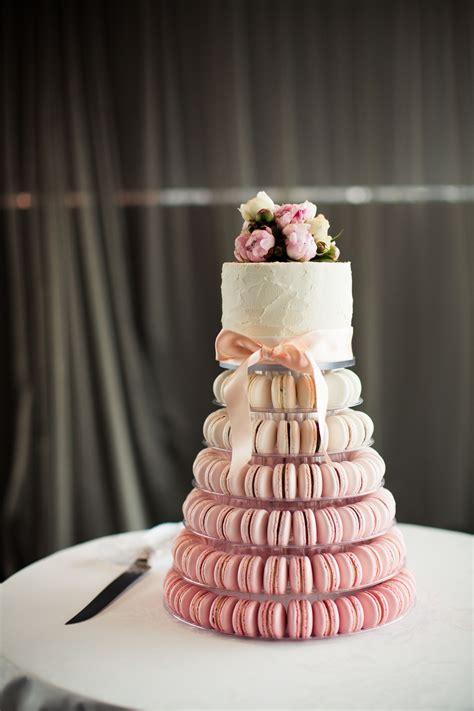gateau de mariage avec macarons wedding macaroon cake