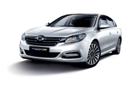 renault sm7 renault sm7 joins battle for sedan supremacy