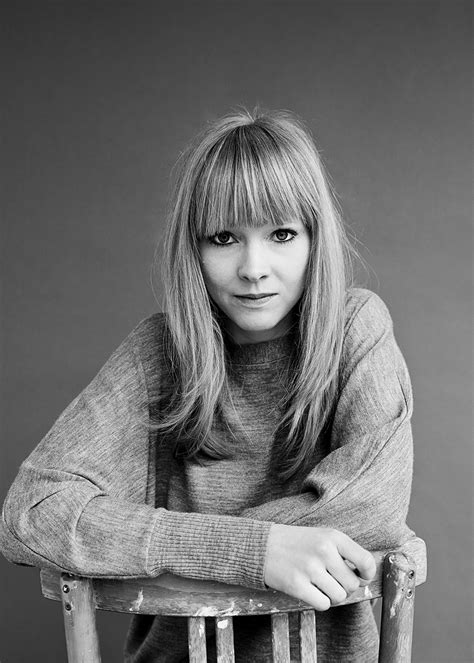 lucy rose laura lewis