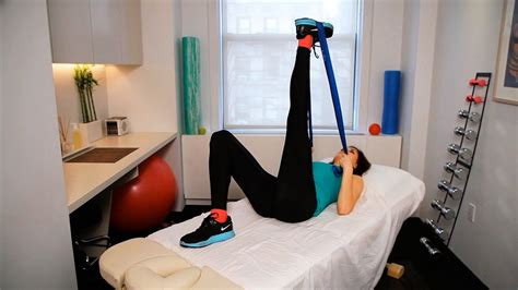 How To Do Knee Stretches For Runners