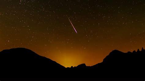 Wenn sie noch ein paar wünsche offen haben: Perseiden: Sternschnuppen richtig fotografieren | heise Foto