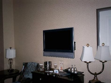small flat screen tv for bedroom flat screen tv in bedroom picture of courtyard tacoma 20864 | flat screen tv in bedroom