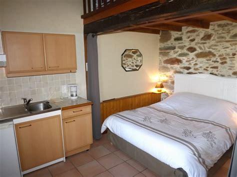 chambres d hotes cantal 15 chambre d 39 hôtes 9028 à leynhac chambre d 39 hôtes 15