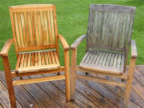pressure washing and cleaning of wooden furniture