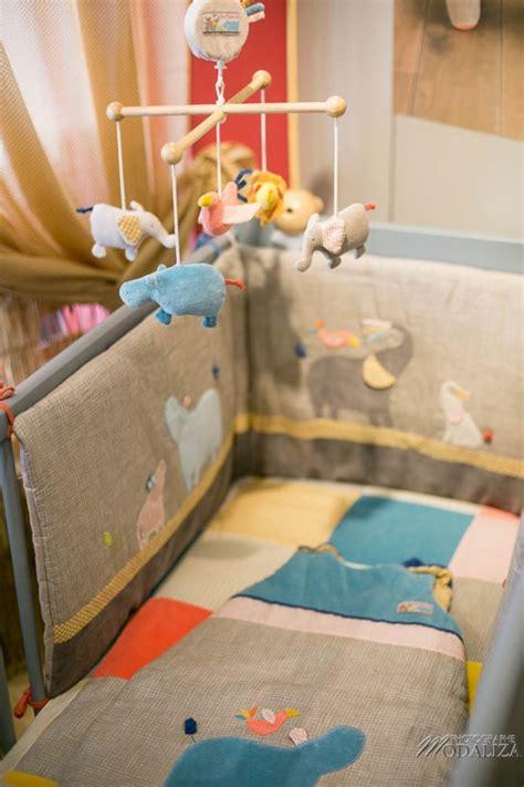 chambre bébé turquoise chambre bebe moulin roty papoum bleu savane corail