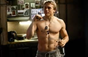 christian bauer rings hunnam confirmed as christian grey in 39 50 shades