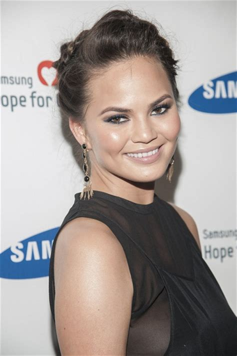 Chrissy Teigen - Ethnicity of Celebs | What Nationality ...