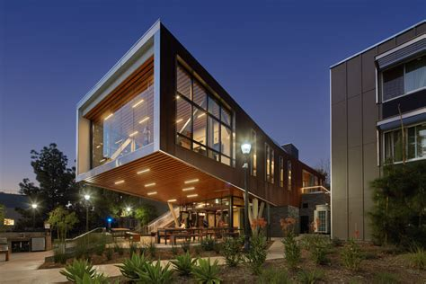 Ucla Saxon Suites / Studio E Architects