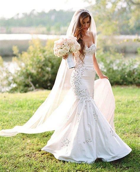 Wählen sie aus erstklassigen inhalten zum thema hochzeitskleid in höchster qualität. Katherine Webbs Hochzeitskleid, Hochzeitstorte und mehr ...