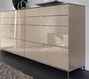 kommode für schlafzimmer wellemöbel gmbh chiraz hochglanz kommode mit schubladen weiß sand nachtblau mit swarovski