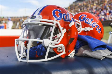 NCAA Football: Florida suspends workouts after positive ...