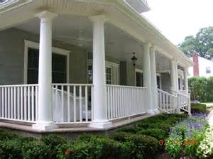 Round Front Porches with Columns