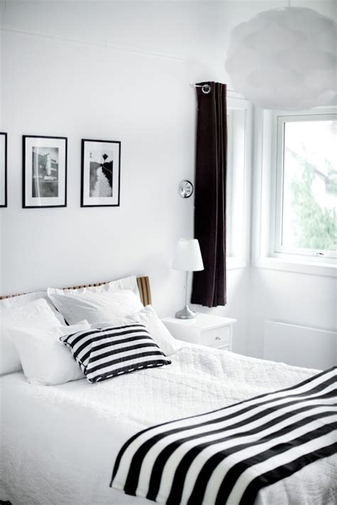 Small Bedroom Ideas Black And White by 19 Creative Inspiring Traditional Black And White