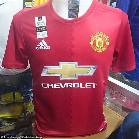 manchester united colors manchester united s new home kit reportedly leaked in hong