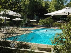 camping piscine chauffee etang peche camping les pialades With camping avec etang de peche et piscine