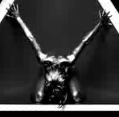 Gli Illuminati Rihanna by Gaga Rihanna E Beyonc 232 Sono Schiave
