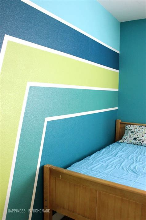 boys bedroom wall with racing stripes get perfect crisp