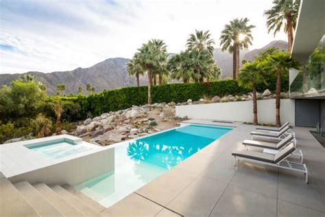 16 Stunning Mid-century Modern Swimming Pool Designs That