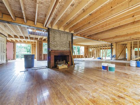 What's The Difference Between Home Remodeling & Renovation