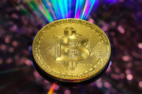 Etoro is one of the largest bitcoin trading platforms worldwide. Bitcoin Is Outperforming The Stocks Of Big Banks, Visa, Mastercard, And PayPal During 2020 ...