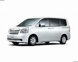 Toyota Noah: цена, технические характеристики, фото ...