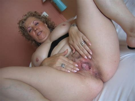 Mature Grannies Spread That Pussy Whide Granny