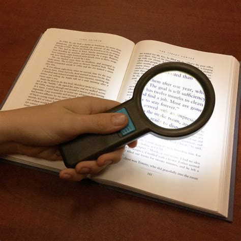 held magnifying glass for macular degeneration 5x held magnifier with 10 white led lighted 2 75 inch