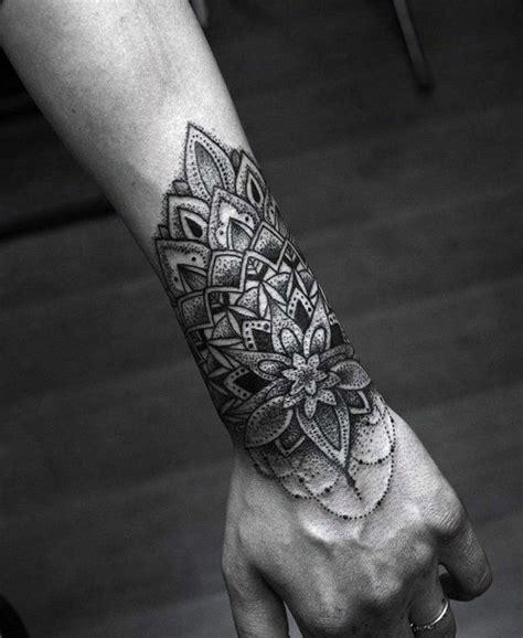 löwen arm 1001 ideen f 252 r mandala f 252 r m 228 nner und frauen trends mandala tattoos mandala