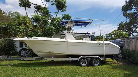 Centre Console Boats For Sale Usa by 2004 Used Cobia 254 Center Console254 Center Console