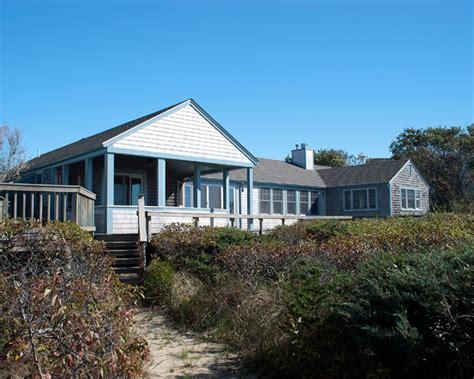 Zuper Adi Bayside Beach House (boston